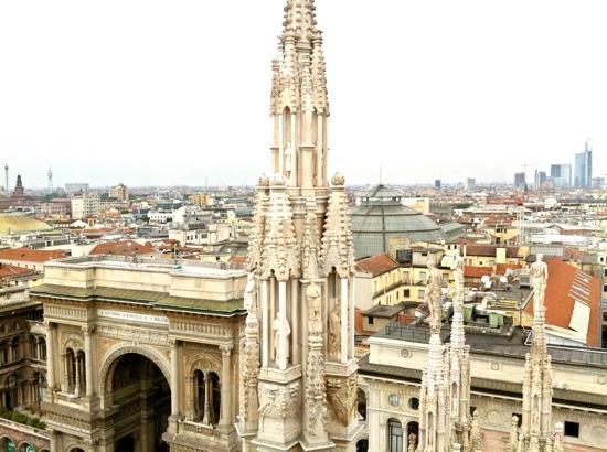 Ausblick von der terrazza del duomo - Picture of Duomo di Milano ...