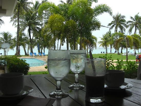 Fiesta Resort Guam: コーヒー飲みながらテラス席でまったり