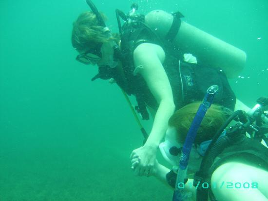 Punta Uva Dive Center: Daughter's first dive