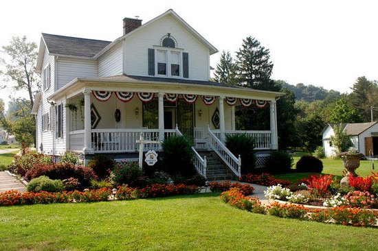 Country Seasons Bed & Breakfast Inn