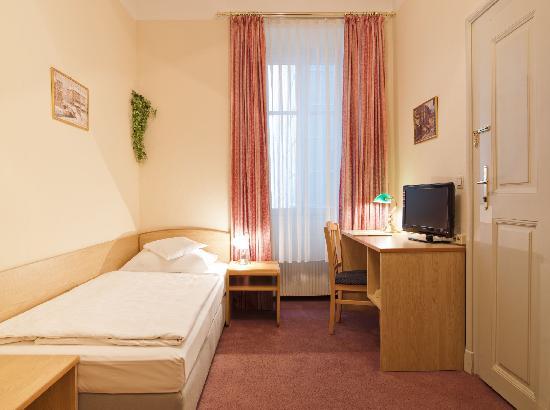 Hotel Graf Stadion: Single room/Einzelzimmer