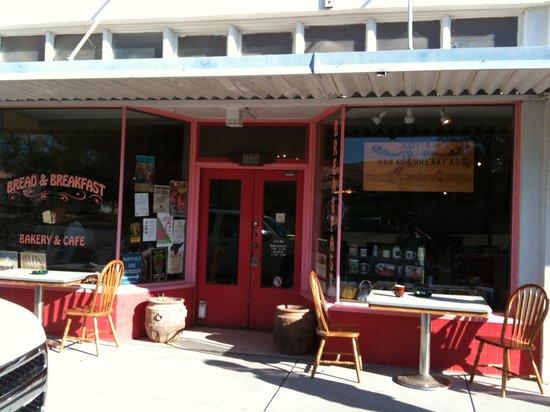 Judy's Bread and Breakfast : Brenda's Bread and Breakfast Cafe