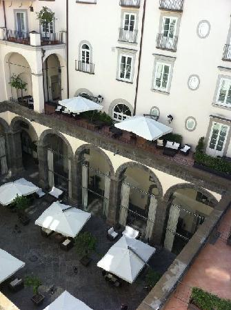 Palazzo Caracciolo Napoli MGallery by Sofitel: le patio