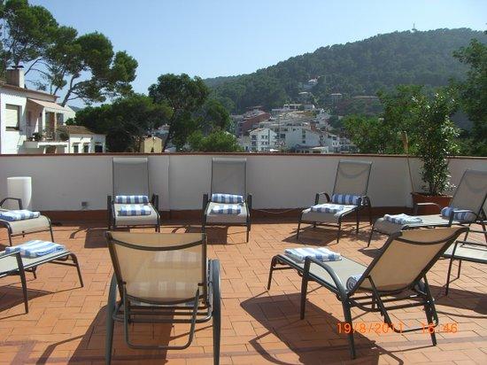 Hotel La Caleta de Tamariu: Solarium