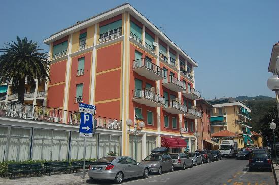 Cavi, Italien: the hotel as it is in Sept'11