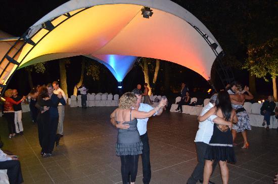 Hotel Garden: Let's Salsa ...
