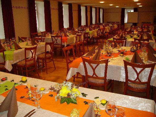 Hotel de Ville - Restaurant : La grande salle
