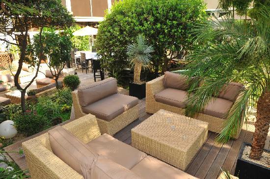 Mercure Cannes Croisette Beach : Bar lounge