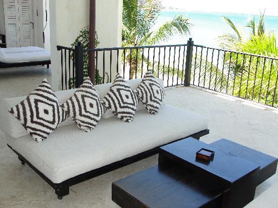 Beach Palace Cabarete: Beachfront Balcony Luxury Condo no 210