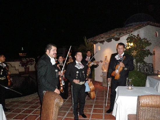 Hacienda San Angel : Mariachi band during dinner!