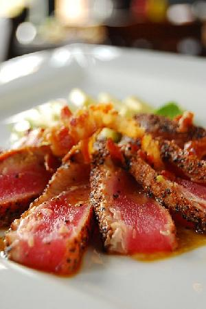Little 5 Points Corner Tavern: Seared Tuna with a Bacon Vinaigrette