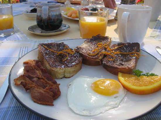 Ann and George's Bed & Breakfast: French toast with Blackberry syrup