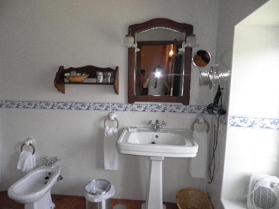 Casa de los Acacio: Baño