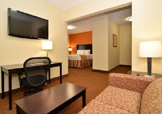 Comfort Inn & Suites : King Suite