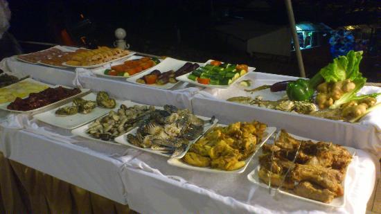 buffet dinner 4 picture of novotel ha long bay halong bay rh tripadvisor co nz halong bay buffet
