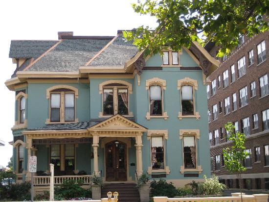 Kalamazoo House Bed and Breakfast: Beautiful House
