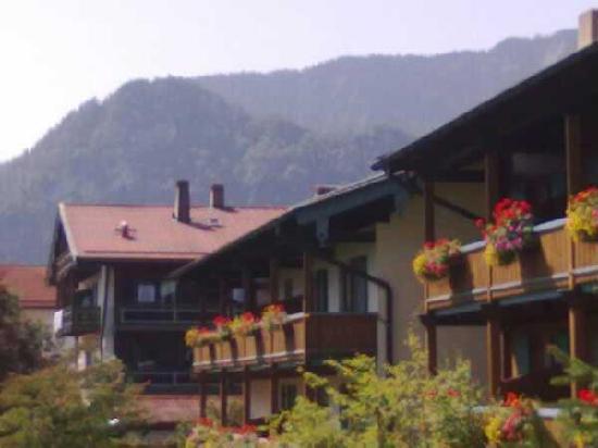 Alpenhotel Bayerischer Hof: Aussicht von der hinteren Sonnenterrasse des Restaurants