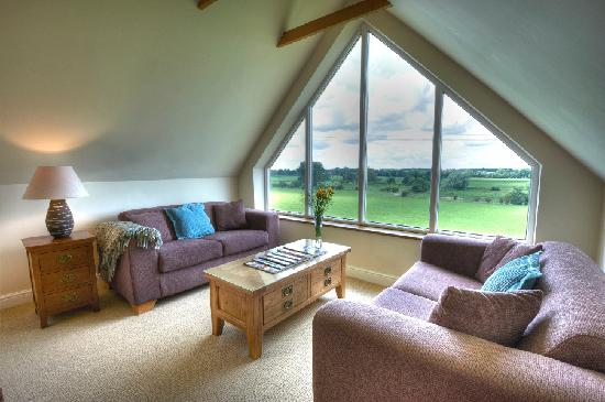 Sunset House B&B: Relaxing and reading room in loft or watch the sunset with a glass of wine