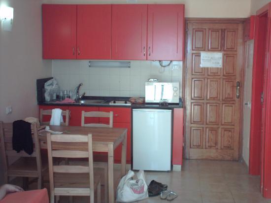 Apartamentos Palmera Mar: Our room