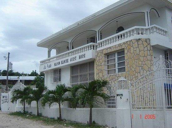 La Petite Maison Blanche - Prices & B&B Reviews (Haiti/Port-au ...