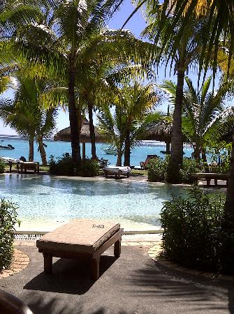 Paradis Beachcomber Golf Resort & Spa: The Pool