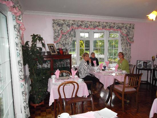 Breagagh View: colazione in rosa