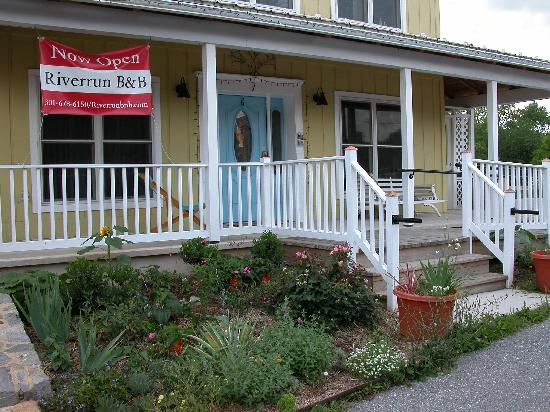 Riverrun Bed & Breakfast: Riverrun B&B Entry