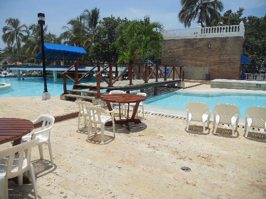 Mendihuaca Caribbean Resort: Paisaje interor picinas