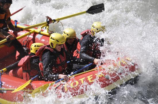 Chalet Blanche: Rafting booked by Deb and Al with transport provided
