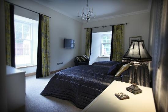 Ferrymuir Stables Bed and Breakfast: Twin guest room
