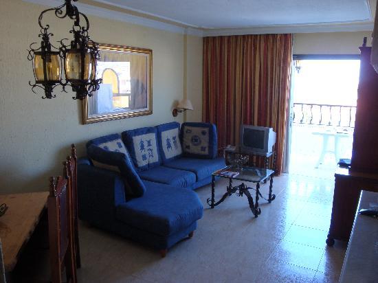 Rey Carlos: Living-Room