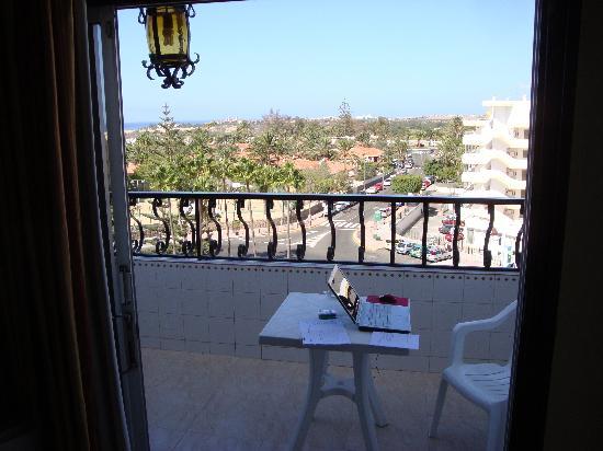 Rey Carlos: Balcony