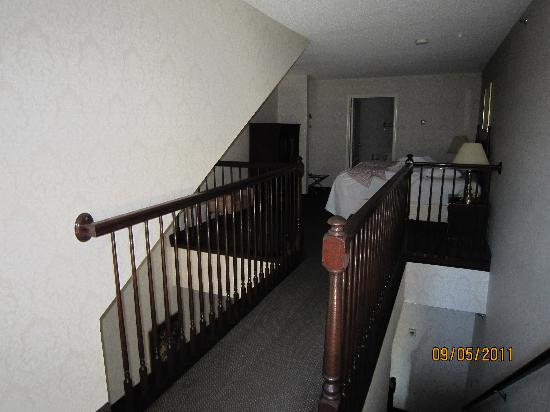 Cliffbreakers Riverside Hotel & Conference Center: Upstairs bedroom