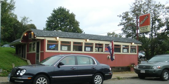 Kenwood Diner: Just a photo of the place.
