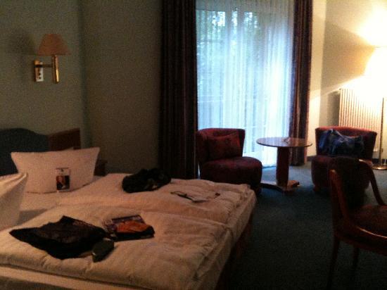 BEST WESTERN Hotel Schmoeker-Hof: room