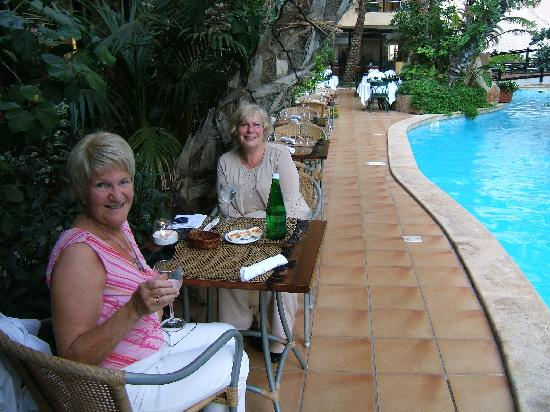 Hotel Fortina: Dinner at the Chinese (brilliant) beside the 5 star pool