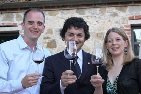 ‪‪Hotel Borgo Casabianca‬: Bride and Groom with Sommelier‬