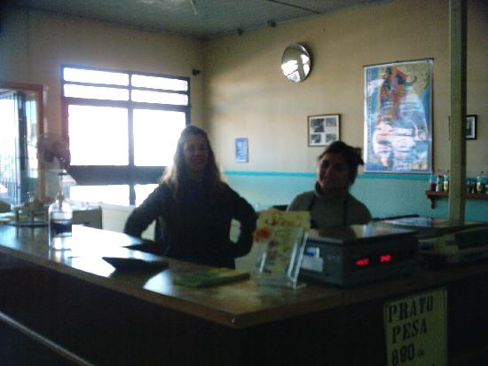 Walter's Buffet - Rotiseria: Wonderful staff, owner, Lilia, on left...