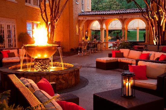 Artmore Hotel: Courtyard2