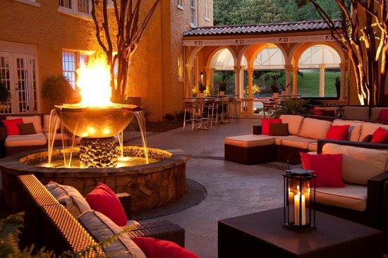 Artmore Hotel: Best Courtyard