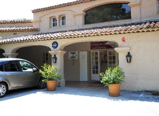 Domaine du Calidianus: Front of the hotel