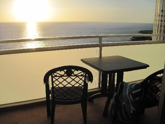 H10 Gran Tinerfe: Balcony view at sunset