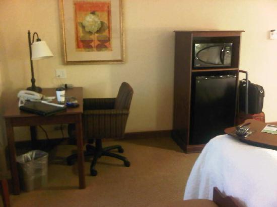 Hampton Inn & Suites Burlington: Room