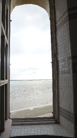 Les Tourelles: Vue depuis la douche