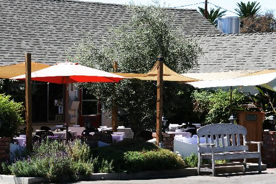 Osteria Monte Grappa: Great outside dining!