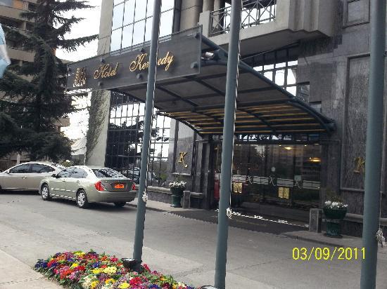 Kennedy Hotel: Entrada principal