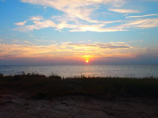 Cherrystone Family Camping Resort: sunset at bay