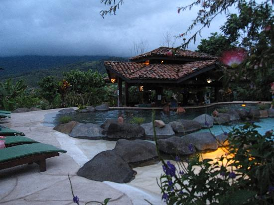 Hotel Mountain Paradise: Wet bar