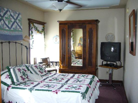 Victorian Gold Bed & Breakfast: Room