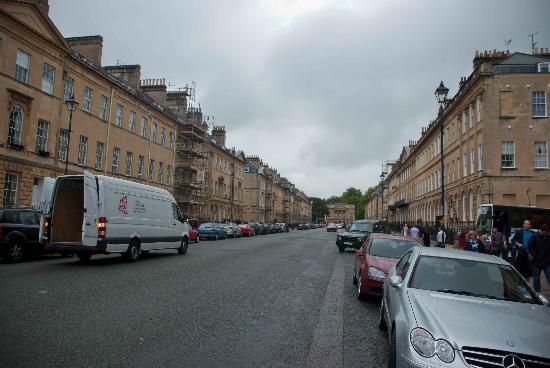 Great Pulteney Street: Old, wide street